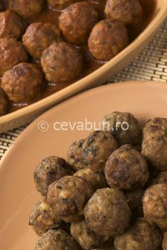 Light Sausage Balls Recipe : Find lighter and healthier recipes at WebMD. Meatball Recipes, Meat Recipes, Healthy Dinner Recipes, Appetizer Recipes, Snack Recipes, Appetizers, Cooking Recipes, Snacks, Recipies