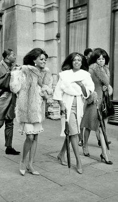 Diana Ross and the Supremes black and white photo Diana Ross, Musica Disco, Fierce, Vintage Black Glamour, Vintage Soul, African American History, African American Fashion, Soul Music, Motown