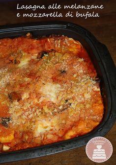 Lasagna alle melanzane e mozzarella di bufala - Lasagna with eggplant and mozzarella Italian Foods, Italian Recipes, Egg Recipes, Lasagna, Macaroni And Cheese, Eggs, Favorite Recipes, Fish, Meat