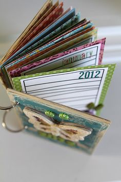 DIY: mini album tutorial #scrapbooking #journals