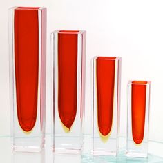 Sunset vase: inspired by the warm and vibrant colours of the setting sun.