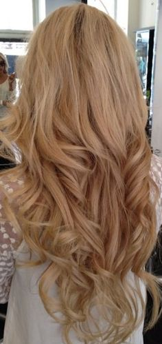 Wavy Blonde Hair. I've alway wanted to have blonde hair :/