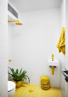 Unique Ways to Add Color to a Renovated Bathroom | Apartment Therapy