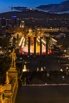 Barcelona Night with L by Juan Luis Mayordomo on 500px