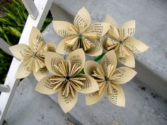GCD-Jane-Eyre-Recycled-Book-Paper-Flowers.jpg (570×428)