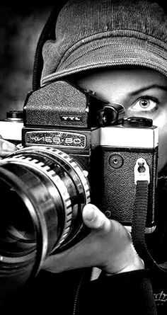 Black and white my favorite photo aσπρο-μαυρο автопортреты, фотографии και Antique Cameras, Old Cameras, Vintage Cameras, Black White Photos, Black N White, Black And White Photography, Photo Black, Video Photography, Amazing Photography