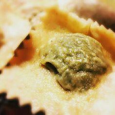 A breve la ricetta dei ravioli fatti in casa senza uovo...  Seguitemi su www.PiattoRosso.com