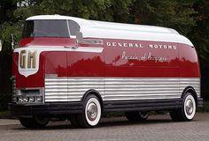 doyoulikevintage:  1953 GMC Futureliner