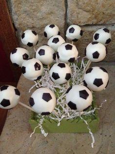 Soccer ball cake pops me +soccer+cake pops=love!-same for u lauren!!-u havent been at school latley hope u feel better!!