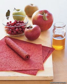 Apple Cranberry Fruit Leather This is a great way to use autumn's abundance of apples. Even fruit that is slightly bruised works well; simply trim the brown portion. Or try ripe pears in place of the apples. Fresh Cranberry Recipes, Cranberry Fruit, Apple Fruit, Apple Juice, Fruit Snacks, Fruit Recipes, Apple Recipes, Snack Recipes, Healthy Snacks