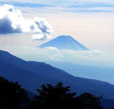 Mt. Fuji, Japan: photo by hatto06