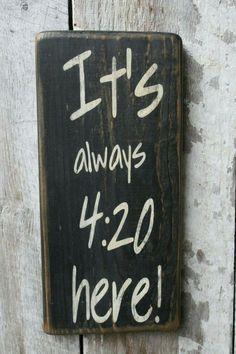 Its Always 420 Here Wood Sign Weed Dispensary Decor 420 Cannabis Decor Hippie Boho Decor Dorm Decor Funny Sign Party Room Decor - DIY Wohnung Dekor