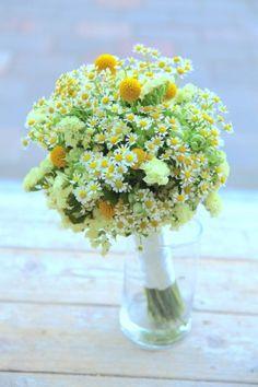 グラスペディア/マトリカリア/花どうらく/ブーケ/http://www.hanadouraku.com/bouquet/wedding/