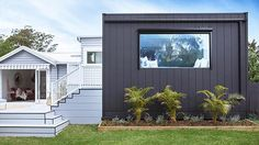 A great tip to achieve a modern exterior is to mix two or more wall textures. Here we used Scyon Stria and Scyon Linea Weatherboards in contrasting light and dark tones. Hamptons Style Homes, The Hamptons, Weatherboard Exterior, External Cladding, Wall Cladding, Cladding Design, House Cladding, Modern Exterior, Exterior Houses