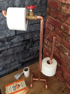 Want that funky industrial look? Look no further with this quirky toilet roll holder. Holds 4 toilet rolls in total. The copper will tarnish in time which adds to its charm. If you prefer it shiny just give it an occasional polish with Brasso or a quick run over with fine wire wool.