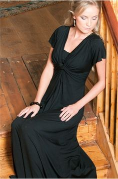 Buy this beautiful maxi dress - for pregnancy or breastfeeding - by Bb London UK