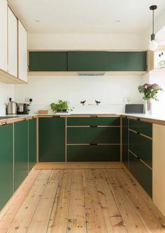 Kitchen Dinning, New Kitchen, Kitchen Decor, Green Kitchen Interior, Kitchen Hacks, Kitchen Storage, Plywood Kitchen, Plywood House, Plywood Interior
