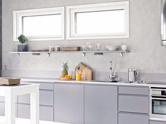 Sade keittio harmaa iso Kitchen Cabinets, Decor, Kitchen, Home, Cabinet, Home Decor