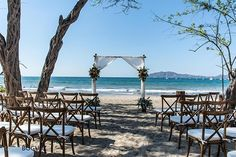 Natural, beach wedding ceremony decor #beachwedding #costarica #destinationwedding #weddingcostarica #tamarindo #natural #beach #ceremony #rusticwedding #costaricaweddingplanner