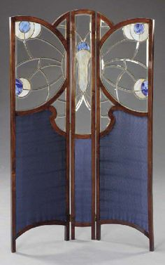 LEADED GLASS AND STAINED OAK THREE-PANEL SCREEN WIENER MOSAIC WERKSTÄTTE, ATTRIBUTED, CIRCA 1905