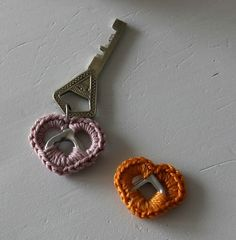 Virkattu avaimenperä juomatölkki klipsit Can Tab Crafts, Diy And Crafts, Diy Projects To Try, Craft Projects, Easy Crochet, Knit Crochet, Nespresso, Presents For Mom, General Crafts