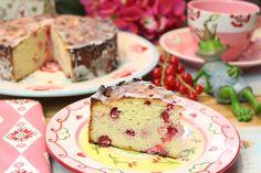 Zitrone und Johannisbeere geben die leckere Säure... 1 kleine Springform mit 18 cm Durchmesser / 8 Stücke Kuchen Für den Teig: 75 g weiche Butter 60 g Eryt