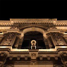 Banco de España HQ, Madrid, Spain. Architectural project: Eduardo Adaro, Severiano Sainz de la Lastra. Lighting project: Intervento. Lighting products: iGuzzini illuminazione. Photographed by: Tomas Antelo. #iGuzzini #lighting #Madrid #Linealuce