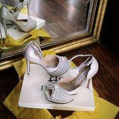 Ιβουαρ Νυφικά  παπούτσια με πέρλες Ivory Pearl, Peeps, Peep Toe, Handmade, Shoes, Fashion, Hand Made, Moda, Zapatos