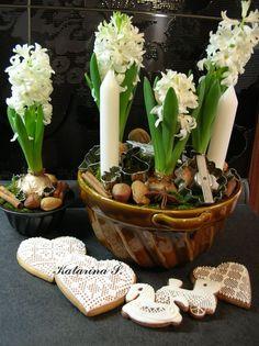 """zimný """"kuchynský"""" aranžmán s hyacintami winter floral """"kitchen"""" arrangement with hyacinth #winter #arrangement #kitchen #hyacinth"""