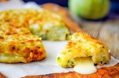 Frittata di zucchine senza uova, cotta in padella, ricetta facile e veloce, secondo piatto, senza glutine, antipasto, piatto unico per cena, ricetta per intolleranti