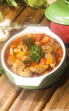 Sauté de Veau Marengo Thai Red Curry, Index, Ethnic Recipes, Food, Diabetic Recipes, Cooking Recipes, Italian Cuisine, Tent, Essen