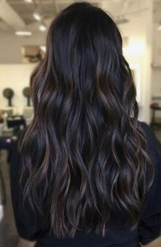 Hair Inspiration 99 Outstanding Brunettes Shades Dark Hair Ideas To Try Asap dark hair colors - Hair Brown Hair Balayage, Hair Color Balayage, Bayalage Dark Hair, Subtle Balayage Brunette, Balayage Dark Brown Hair, Black Hair With Brown Highlights, Dark Hair With Lowlights, Dark Ombre Hair, Dark Curly Hair