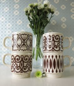 Four Vintage Beige and Brown Mugs made by Biltons England 1970s door Vantoen op Etsy