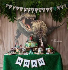 Birthday Table Cover Ideas Party Themes 36 Ideas For 2019 Birthday Party At Park, Birthday Table, Happy Birthday, Dinosaur Birthday Party, 4th Birthday Parties, Birthday Party Decorations, 5th Birthday, Festa Jurassic Park, Party Fiesta
