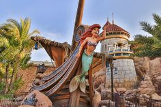Journey of the Little Mermaid in Fantasyland at the Magic Kingdom | Pinned by Mousefan in a Minivan | #disney #wdw #disneyworld #magickingdom #parks #fantasyland #ariel #littlemermaid #attraction #ride #photography #florida #orlando #vacation #travel