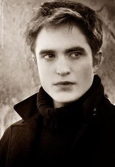 Edward Cullen - Breaking Dawn Part 2
