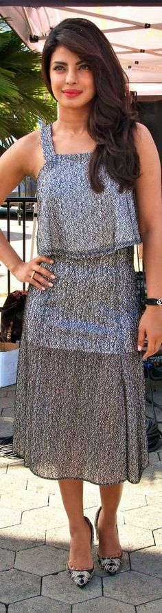 Priyanka Chopra's 'Quantico' Premieres.#priyankachopra http://www.manchimovies.com