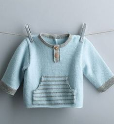 This Pin was discovered by Lau - tricot Knitting Patterns Boys, Baby Sweater Patterns, Baby Boy Knitting, Knit Baby Sweaters, Knitting For Kids, Baby Patterns, Crochet Patterns, Baby Outfits, Kids Outfits