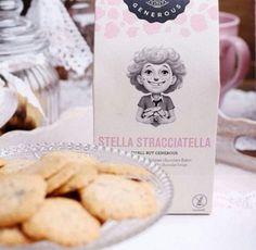 ☕️¡Hora del té! y qué mejor que acompañarlo con estas crujientes #galletas de stracciatella 🍪 #singluten, ecológicas y llenas de pepitas del mejor #chocolate belga. ➖➖➖➖ Encuéntralas en👉🏼www.dellaterra.es  #glutenfree #organic #gourmet #packaging