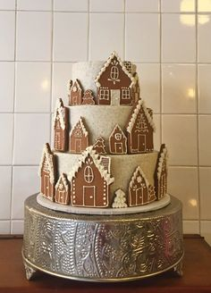 Ginderbread house cake