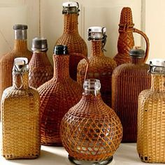 Vintage Wicker and Rattan Bottle Collection. Vintage Bottles, Bottles And Jars, Glass Bottles, Perfume Bottles, Magic Bottles, Vintage Wine, Image Deco, Verre Design, Creation Deco