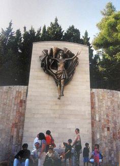 #magiaswiat #włochy #sangiovannirotondo #podróż #wakacje #zwiedzanie #europa  #blog #ojciecpio #gargano #stygmaty #kościół #pio Mount Rushmore, Mountains, Nature, Blog, Painting, Travel, Art, Europe, Art Background