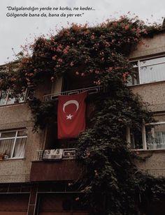 My Psychologist: Photo - En beğendiklerim Red Wallpaper, Perfect Wallpaper, Tumblr Wallpaper, Photo Wallpaper, Mobile Wallpaper, Classy Tattoos For Women, Turkish Soldiers, Magic Tattoo, Fake Photo