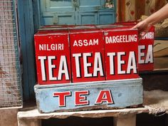 Vibrant sign writing in India // via Think Positive Designer Prints Menu Design, Label Design, Print Design, Graphic Design, Restaurant Signage, Sign Writing, Typography, Lettering, Hand Painted Signs