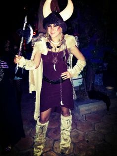 Viking Halloween Costume DIY & DIY Viking Costume Idea: One kitchen apron a belt two brooches and ...