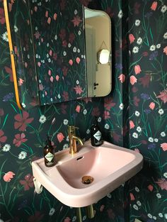 dark floral wallpaper with blush pink sink // fort & field Decoration Inspiration, Bathroom Inspiration, Interior Inspiration, Bathroom Ideas, Interior Exterior, Interior Design, Bathroom Wallpaper, Beautiful Bathrooms, Bathroom Interior