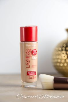 Rimmel Lasting Finish 25 hour foundation, soft beige. Recommendation by Tati