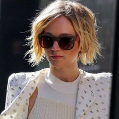 Messy Bob Hairstyle with Blonde