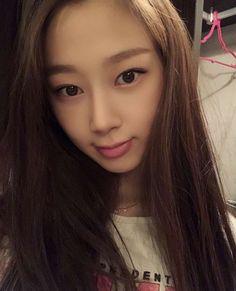 Black Mamba, South Korean Girls, Korean Girl Groups, Dragon Family, Without Makeup, Kim Min, Blackpink Jisoo, Kpop Aesthetic, New Girl