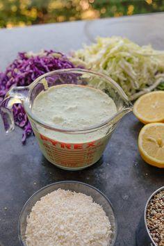 Coconut Quinoa Coleslaw Healthy Salad Recipes, Diet Recipes, Vegan Recipes, Recipies, Tahini Dressing, Salad Dressing, Coconut Quinoa Salad, Baked Camembert, Filo Pastry